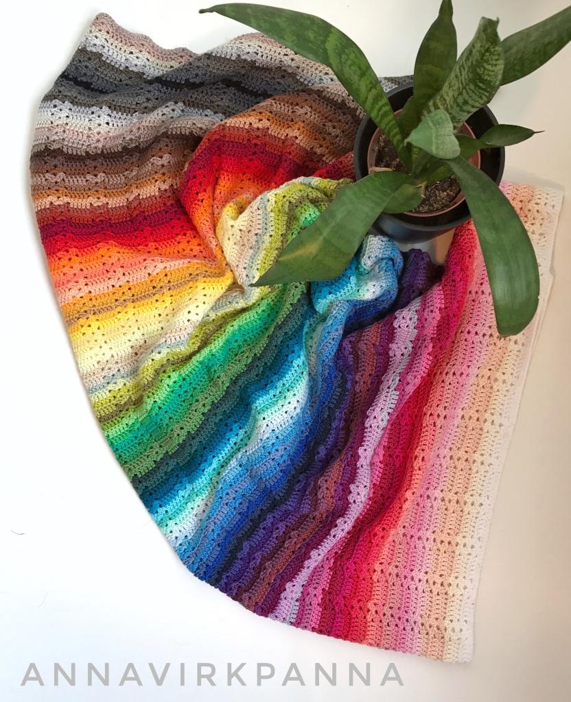 Catona Rainbow blanket